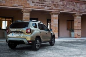 21200110 2017 New Dacia DUSTER tests drive in Greece 300x200 1