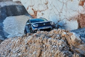 21199995 2017 Nuevo Dacia DUSTER prueba de conducción en Grecia 300x200 1